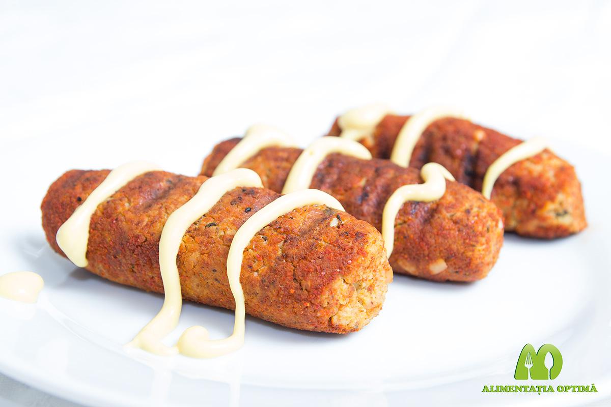 """""""Cârnăciori"""" de tofu"""