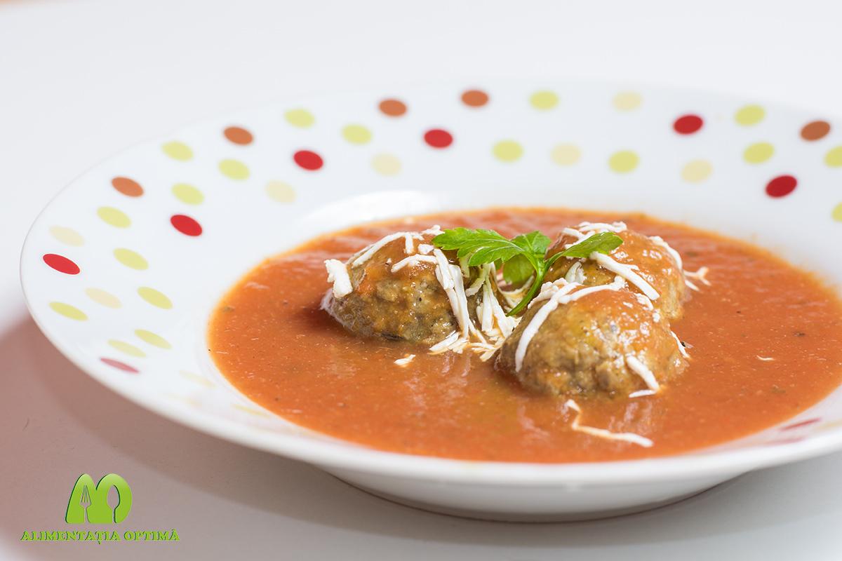 Chiftele marinate în sos de ardei roșu